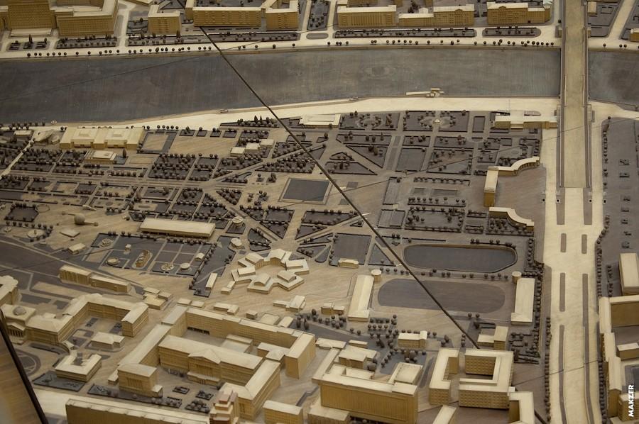 Информационный обзор: Макет центральной части Москвы. Масштабная модель города в Макетной в мастерской Дома на Брестской