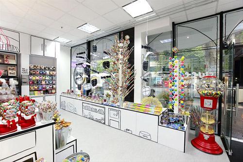 The Candy Room. Магазинчик со сладостями и мультипликационным интерьером