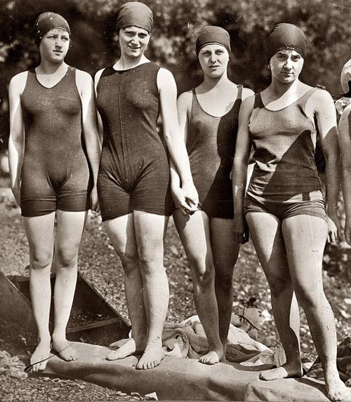 Люди из прошлого.  Старые, очень старые фотографии из прошлых веков.