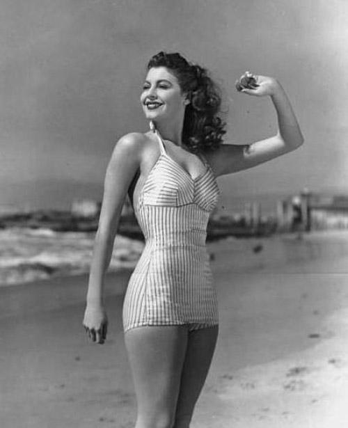фото - ретро-купальник 40-х годов