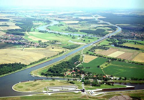 Магдебургский водный мост в Германии